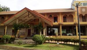 Bug and Bus Resort - Ban Thap Sila