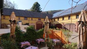 Hotel Restaurant Hambacher Winzer - Esthal