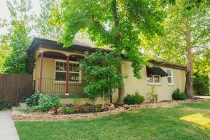 Accommodation in Yuma View