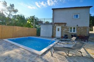 Holiday house with a swimming pool Sovinjsko Polje, Central Istria - Sredisnja Istra - 16806