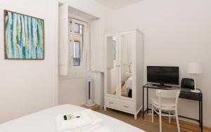 Live like a local @ Casa da Esquina - Wifi & A/C, 1200-250 Lissabon