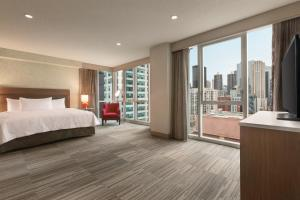 Home2 Suites By Hilton Chicago River North