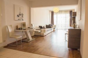 obrázek - Spacious central apartment - Salcamului