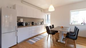 Central Comfort Suites, Apartmanok  Brassó - big - 26