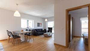 Central Comfort Suites, Apartmanok  Brassó - big - 29