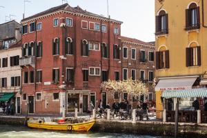 Alloggio Ai Tre Ponti Venezia - AbcAlberghi.com