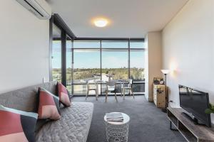 Highrise one bed apartment @ Olympic park+wifi