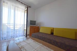 Apartments Petrica, Апартаменты  Малинска - big - 13