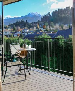 Village Lake Apartments - Hanmer Springs