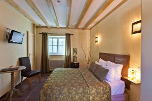 Location gîte, chambres d'hotes Hotel-restaurant Les Caudalies dans le département Jura 39
