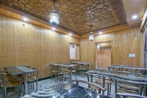 OYO 13099 Lavilla, Hotels  Srinagar - big - 13