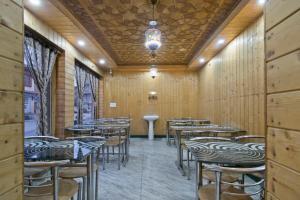 OYO 13099 Lavilla, Hotels  Srinagar - big - 14