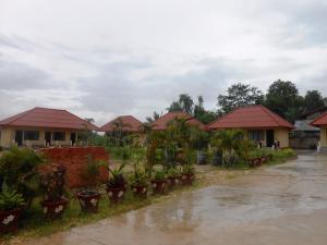 Phouphet Hotel - Ban Hai