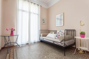 Modernist Apartment Arc de Triomf