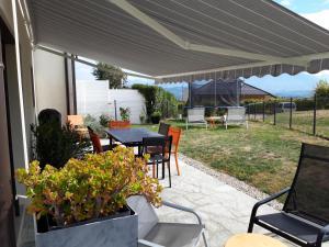 Annecy proche Maison jolie vue et beau jardin ensoleile - Hotel - Rumilly