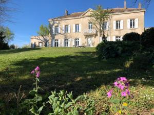 Chateau de Thuries - Accommodation - Revel