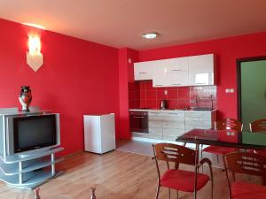 BEST value Sunny apartment in great location