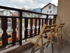 BEST value - Sunny apartment in great location
