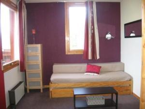 Apartment Equerre 011