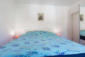 Newly Renovated, Large, Stunning Sea View, Minutes from Center and Sea