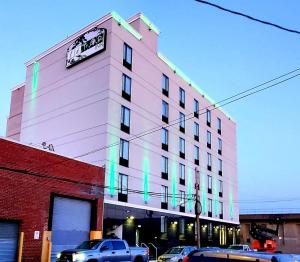 LeTap Hotel near AirTrain JFK Airport