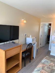 Red Deer Inn & Suites - Accommodation - Red Deer