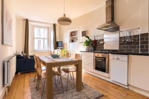Lovely central Edinburgh apartment
