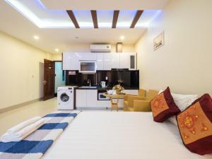 JOHNNY HOTEL - Danang