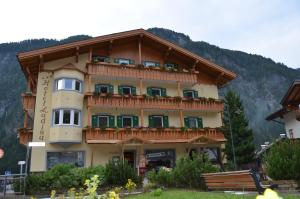 Hotel Ladina - AbcAlberghi.com