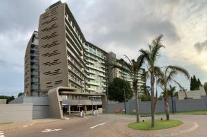 Stunning High-Rise Experience looking over Johannesburg