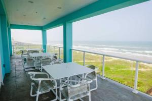 obrázek - 5 Bedroom Beachfront Condo Unit 1