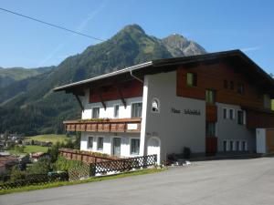 Bach Hotels
