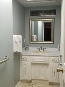 Orlando group cottage sleeps 12 guests