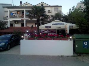 Apartments and rooms with parking space Rovinj 16796