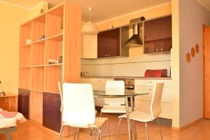 Idealnie skomunikowany apartament słoneczny