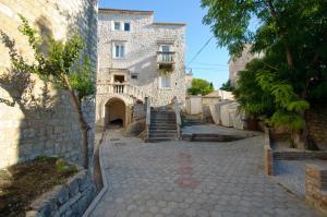 Guest House Exalto - Трогир