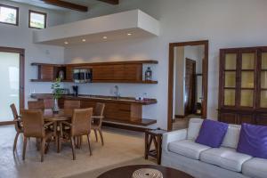 Las Verandas Hotel & Villas, Resort  First Bight - big - 65