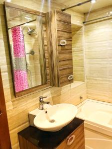 SAHIL PARK 2 Bedrooms, Apartments  Baku - big - 10