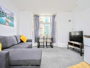 Queens Square, Brighton - Guest Homes