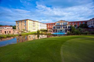 Best Western Premier Castanea Resort Hotel - Brietlingen