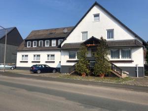 Pension A44 Niederelsungen - Altenhasungen