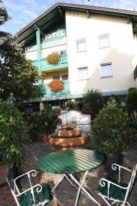 Hostales Baratos - Hotel Pflieger