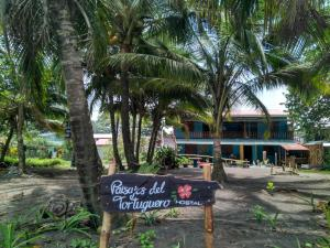 Paisajes del Tortuguero (On The Beach and Town Center)