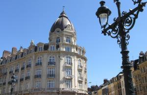 Hotel Carlton, Отели - Лилль