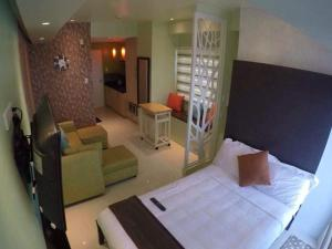 With Wifi 1 Bedroom Unit at SMDC Wind Residences Tagaytay