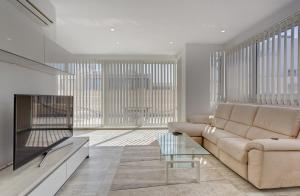 Contemporary, Luxury Penthouse in an Amazing Location