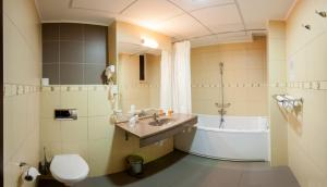 Splendid Conference & Spa Hotel – Adults Only, Hotels  Mamaia - big - 11