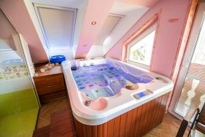 Luxury Apartment Ana with Hot tub