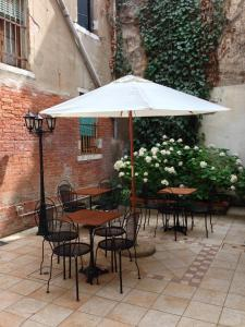 Al Portico Guest House - AbcAlberghi.com