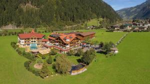 Hotel Edenlehen - Mayrhofen